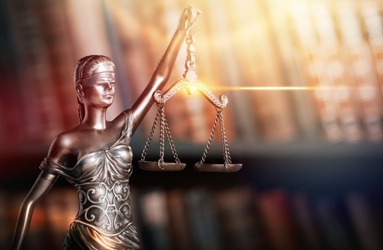 Useful tips to find a lawyer easily